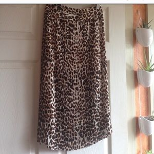 Express pleated midi leopard skirt